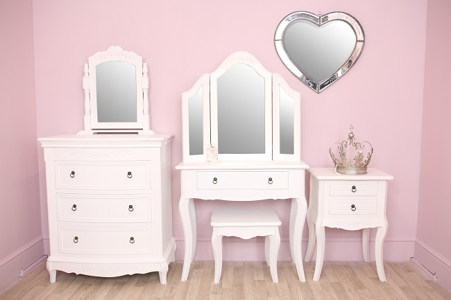 shabby chic bedroom furniture and mirrors