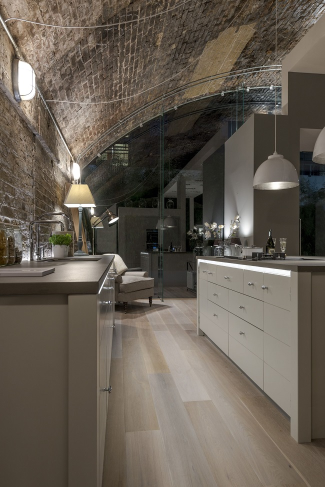 Modern kitchen blends industrial flavour with contemporary for Modern kitchen london